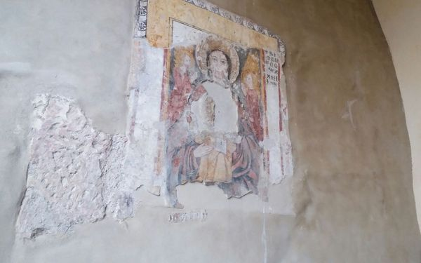 Madonna with child among angels, fresco (XIV sec.), Basilica di S. Maria degli Angeli, Cimitile